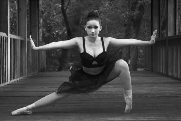 Os bailarinos defendem que é uma arte, mas aumentam as pessoas que o praticam para manterem a forma física. Saiba mais.