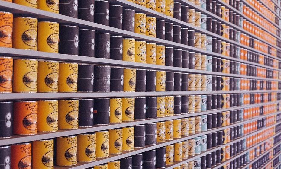 Sulfato de sódio: O aditivo E221 é um preservante usado em vinhos, frutas secas e outras comidas processadas. De acordo com a Food and Drugs Administration, uma em cada 100 pessoas são sensíveis aos sulfatos, sendo que a maioria destas pessoas são asmáticas, sugerindo assim uma ligação entre este aditivo e a asma.