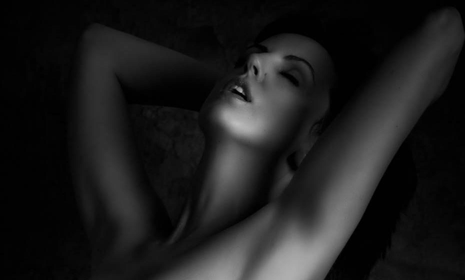 Nem sempre para as mulheres é tão fácil atingir o orgasmo como para os homens. Listamos alguns conselhos para a ajudar a atingir o prazer.