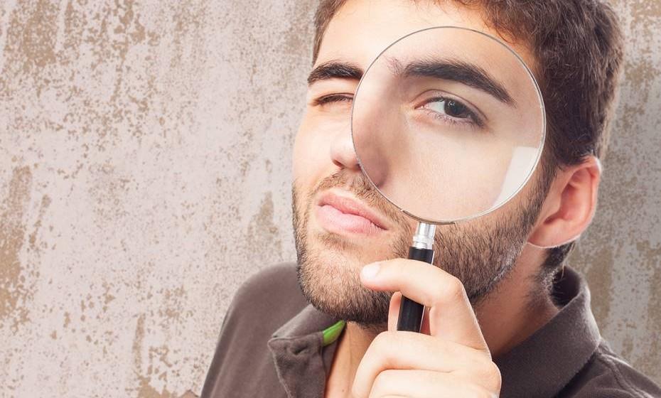 Os homens de olhos escuros tendem a ser mais dominadores com as suas parceiras, de acordo com um estudo realizado na República Checa.