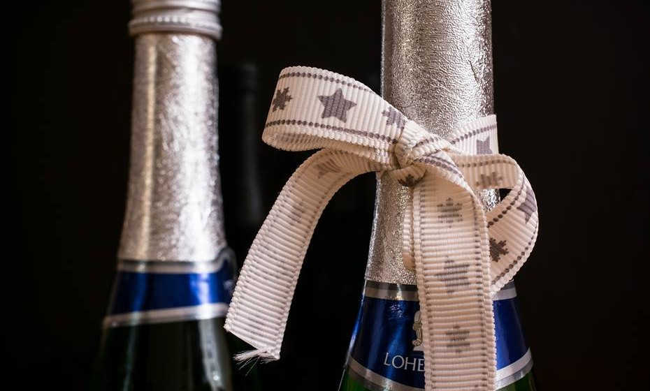O champanhe também envelhece: Existem champanhes de 20 a 30 anos maravilhosos, pois o envelhecimento permite uma maior integração dos sabores em camadas idênticas.