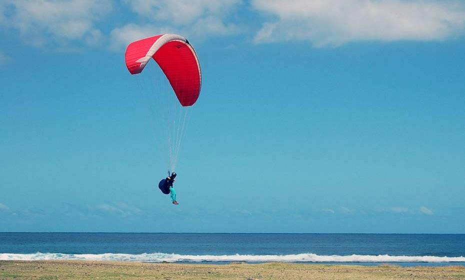 Atividade radical: Falam num salto de paraquedas há vários meses? Ou um passeio de balão? Ele era fã de escalada e deixou de o fazer quando iniciaram a relação? Então é o momento de marcarem um fim de semana radical, em que a adrenalina e paixão vão estar a níveis elevados.