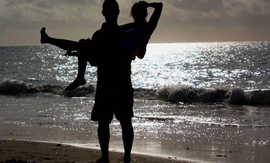 São os melhores amigos: Os casais devem ver-se como os melhores amigos, confidentes, capazes de fazer tudo um com o outro e sentir que aquela é a primeira pessoa com quem querem falar pela manhã e a última à noite. Claro que é importante estimular novas amizades e manter as antigas mas a relação mais íntima deve ser aquela.