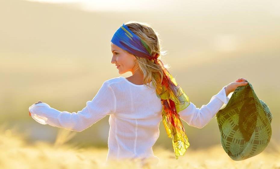Quando é verdadeiramente amor aquilo que sente, vai sentir-se bem consigo própria quando está com ele mas também quando está longe. Porque, na verdade, o amor traz uma paz de espírito e felicidade interna que nos fazem sentir sempre em estado de alegria. Além disso, o amor traz autoconfiança.