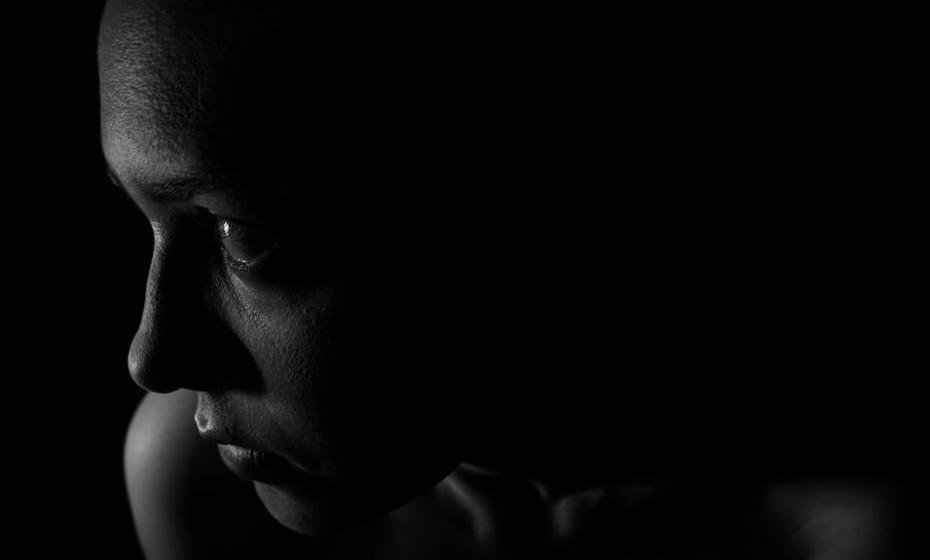 Nunca tive um orgasmo. É normal? Resposta: Uma grade parte das mulheres tem dificuldade em atingir o clímax. Isso pode acontecer por falta de conhecimento sobre o próprio corpo, falta de estímulo do parceiro e por motivos psicológicos. A estimulação do clitóris é fundamental para que a mulher consiga ter prazer durante a relação. A ausência da orgasmo pode ainda ser causada por insegurança no relacionamento ou com o próprio corpo.