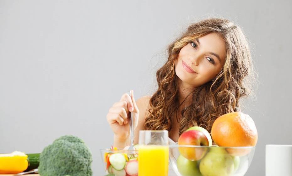"""Alimente-se bem. """"Nós somos aquilo que comemos"""" e, nas situações mais difíceis, estar forte ajuda a combater os problemas."""