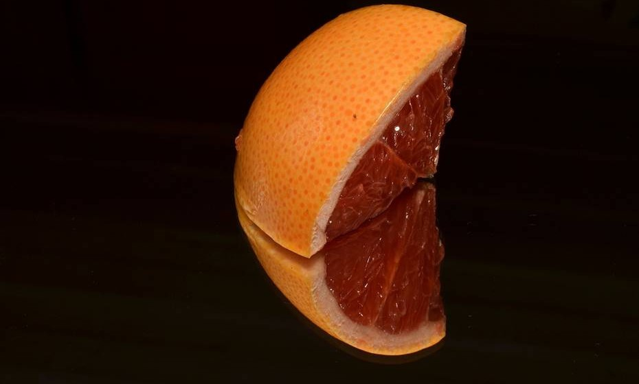 A toranja é consumida a nível mundial, seja fresca ou em sumo. Por outro lado, existe quem prefira consumi-la cozida ou assada. A toranja é um fruto rico em enzimas, que ajudam a metabolizar a gordura, tem um alto teor de hídrico e é baixa em sódio.