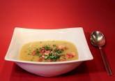 Com a chegada do frio, arranca também a estação nobre das sopas, caldos e pratos quentes. Decidimos dar-lhe 10 sugestões de sopas deliciosas para aquecer a alma nos dias mais frios. Bom apetite!