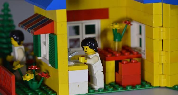 Lego pode ficar sem 'stock' de peças até ao Natal