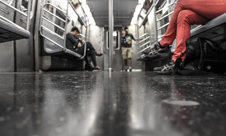 Fazer sexo em transportes públicos é uma fantasia muito comum.