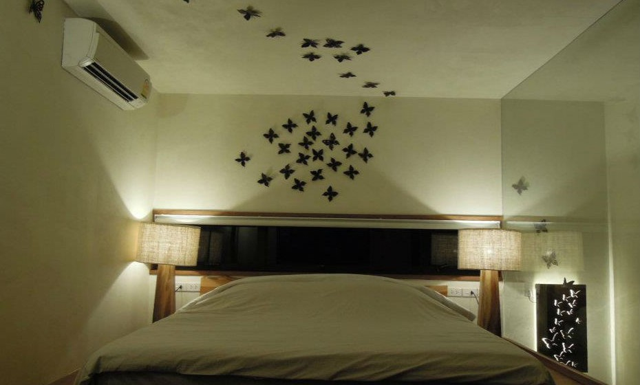 Todos os quartos têm nomes de insetos e é decorado em conformidade.