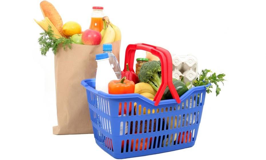 Não é aconselhável colocar demasiados alimentos no frigorífico. Quando está demasiado cheio, a falta de espaço entre os alimentos dificulta a circulação do ar e a temperatura é afetada.