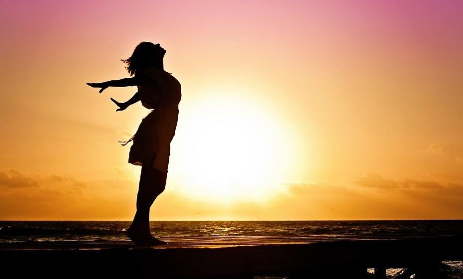 Aceite que não é perfeito. Ambicionar um autocontrolo absoluto será sempre uma batalha impossível porque o ser humano simplesmente não foi talhado para isso. Não se debata com pensamentos autodestrutivos, seja brando consigo mesmo – dê o seu melhor, ainda que este esteja longe da perfeição.