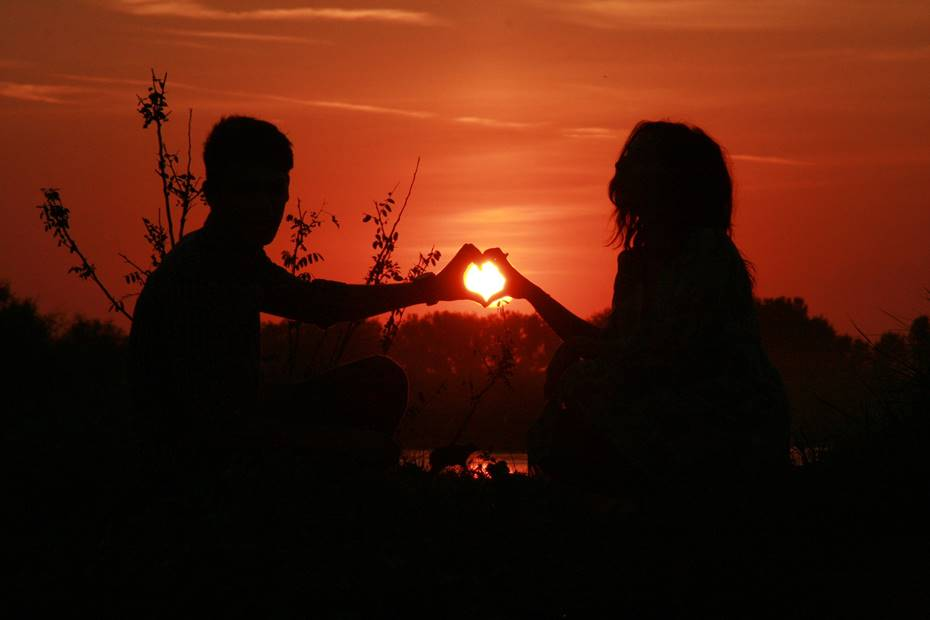 O que procurar num parceiro que não esteja relacionado com sexo ou aparência