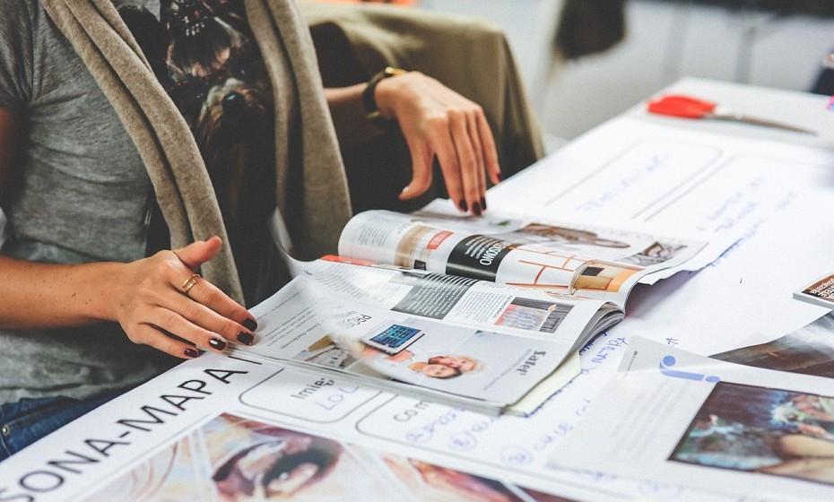 Ler as notícias: são muitos os empresários de sucesso que, ainda antes de se levantarem da cama e depois de consultarem o email, passam os olhos pelos jornais.