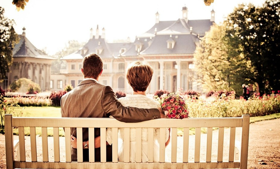 Alguém que já se sinta completo sozinho, que queira o mesmo para si, mas que que está preparado para dar tudo o que puder numa relação, esperando o mesmo em troca.
