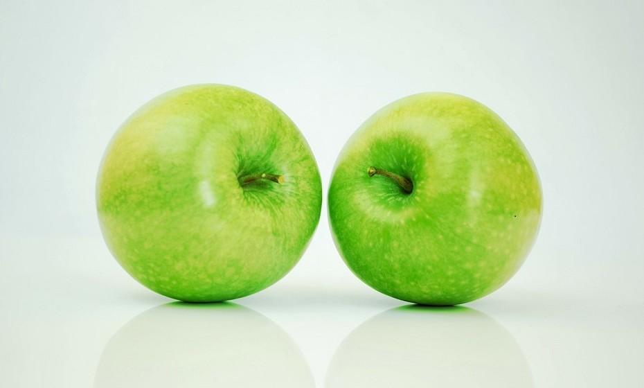 Maças -  A pectina nas maçãs ajuda na perda de peso pois aumenta a sensação de satisfação. É também um forte antioxidante.