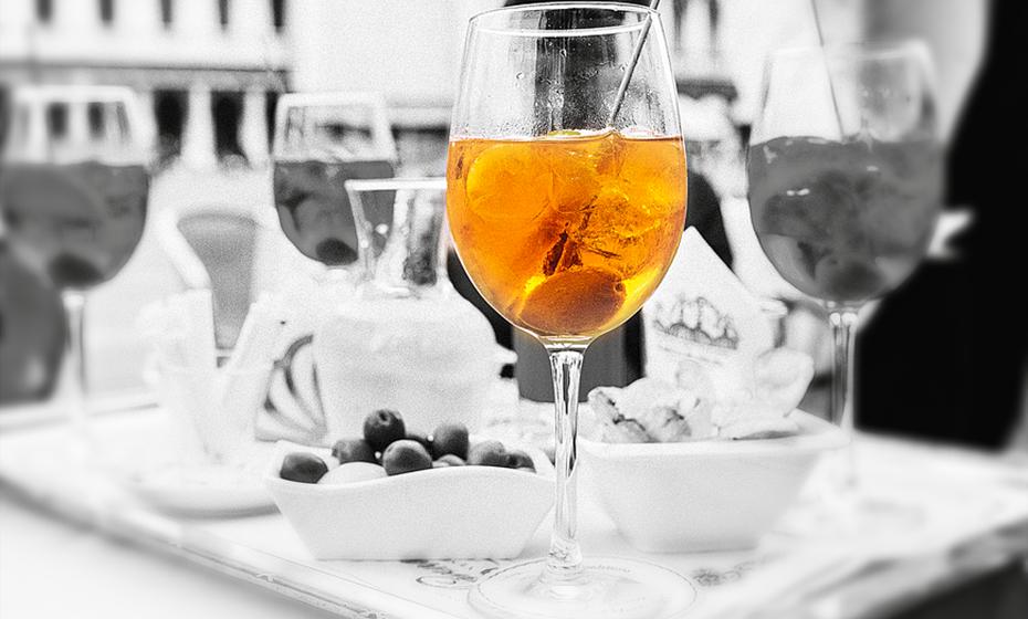 Touro: O gosto requintado e exigente do nativo de Touro pede um Martini. Numa esplanada ou numa festa em casa, um Touro vai sentir-se como peixe na água com um copo desta bebida na mão.