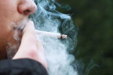 Dar dinheiro a fumadores pode convencê-los a largar o vício