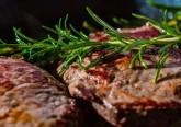 Reduzir a quantidade de carne vermelha na sua alimentação pode ser muito benéfico à saúde. A recomendação não é de hoje, mas convém relembrar esta ideia. Conheça alguns substitutos.