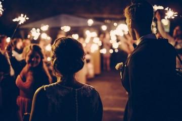 Antes do casamento, o mais comum é ouvir-se dizer: «Diz adeus à tua vida sexual»! O facto de se ter assinado um contrato de compromisso não indica que o sexo no casamento acabe efetivamente. No entanto, surgem algumas mudanças…