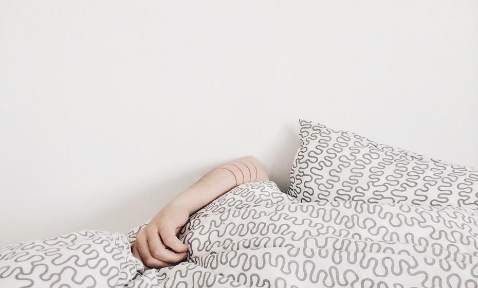 Durma o máximo que puder. As pessoas que dormem pouco têm tendência a comer mais.