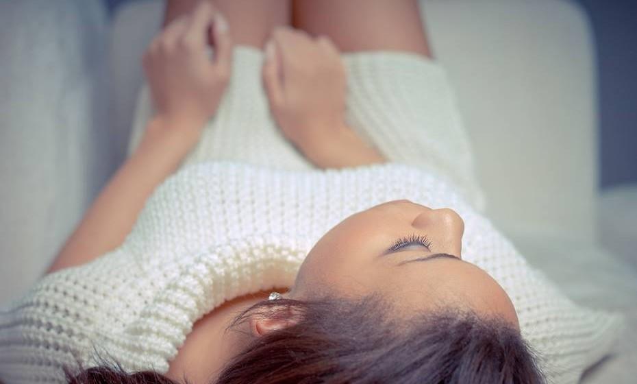 O clitoris tem aproximadamente 8 mil terminações nervosas e nunca para de crescer. Quando chega aos 32 anos, o clitóris é quatro vezes maior em relação à puberdade.