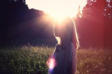 Se é daquelas pessoas que já acordam com os cabelos em pé de tanto stress, estas dicas são para si. Eis alguns hábitos que pode introduzir na sua rotina matinal, que irão fazer toda a diferença a curto prazo. Comece o seu dia sempre da melhor forma!