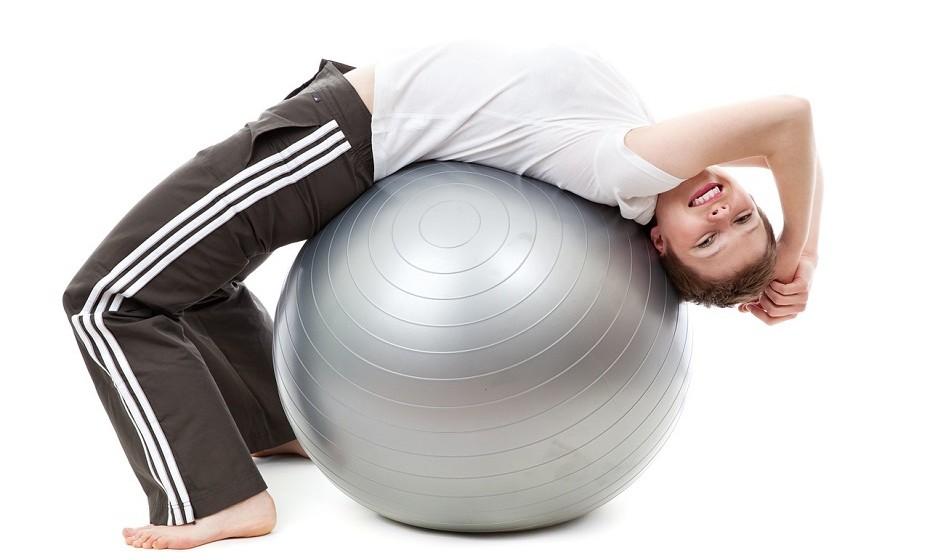 Faça 15 minutos de exercício por dia. Faz com que o sangue circule e ajuda a ganhar mais energia.
