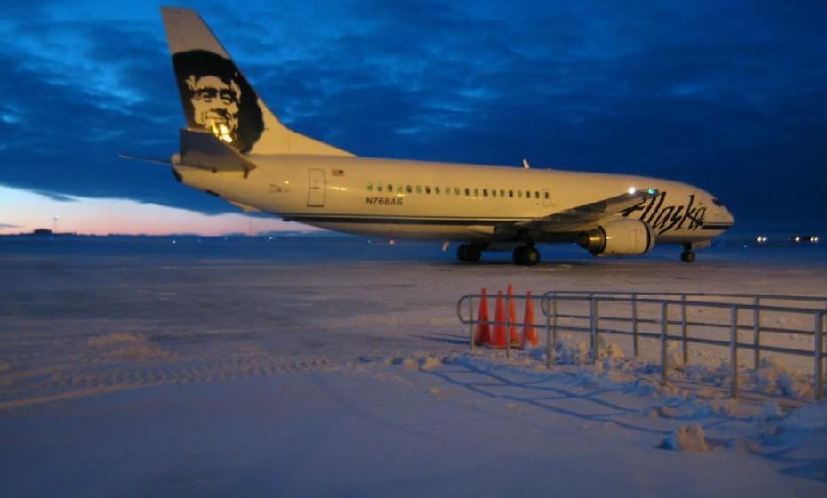 Barrow, Alasca. Esta cidade só é acessível por mar ou por avião. Tem invernos muito frios e ventosos, o sol põe-se no final de novembro e só reaparece no final de janeiro. Em julho, a temperatura média gira em torno dos 4,7ºC.