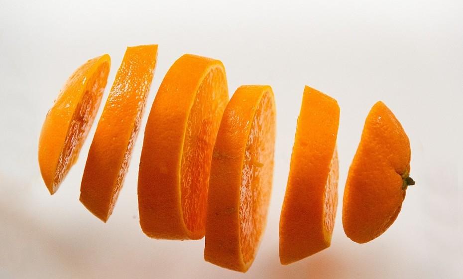 A laranja é rica em vitamina B1, uma boa aliada contra as dores menstruais.