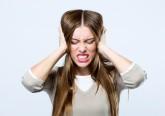 O dia já vai longo e carregado de stress... e eis que ela aparece, a tão indesejada dor de cabeça. Aprenda dicas fáceis e naturais para aliviar este problema.