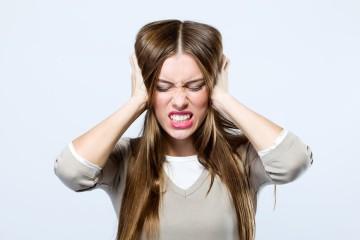 O dia está carregado de stress... e eis que ela aparece, a tão indesejada dor de cabeça. Aprenda dicas fáceis e naturais para aliviar este problema.