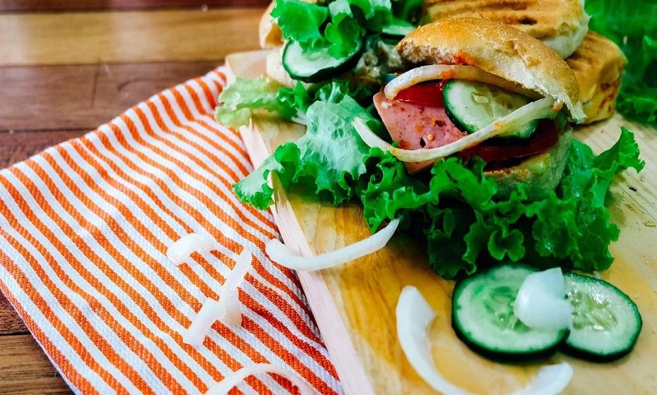 Os consumidores querem fast food saudável. Fazer o seu próprio menu com alimentos diversificados tem um preço mais elevado do que o típico fast food, mas este é um formato cada vez mais presente nos menus dos restaurantes.
