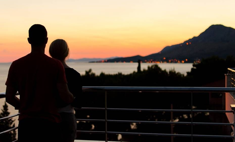CCom o tempo os casais tendem a adotar comportamentos que, por vezes, são demasiado confortáveis e podem indicar uma crise no romance. Reveja alguns comportamentos.