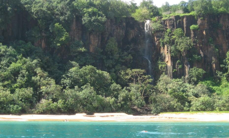 2. A praia Baía do Sancho fica no arquipélago de Fernando de Noronha e foi eleita a melhor praia do mundo, pelos utilizadores do TripAdvisor, duas vezes consecutivas.