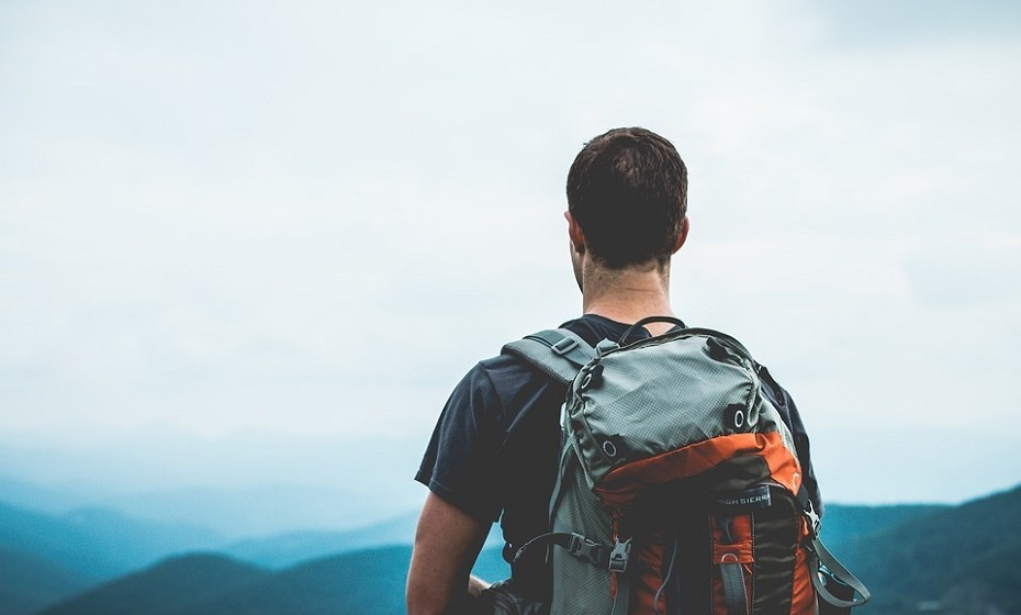 Sagitário: gosta de viajar e aprender com os outros. Qualquer trabalho relacionado com a indústria de viagens é uma boa ideia. Adora inspirar os outros e, por isso, também daria um excelente professor ou líder de um programa para jovens.