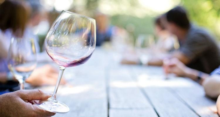Consumo moderado de álcool pode ser benéfico para o coração