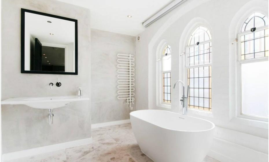 Esta é uma das casas de banho do edifício de luxo.