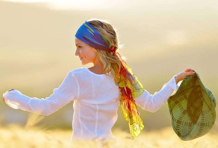 2º Não faça a sua felicidade depender de outras pessoas. Seja feliz por si e para si.