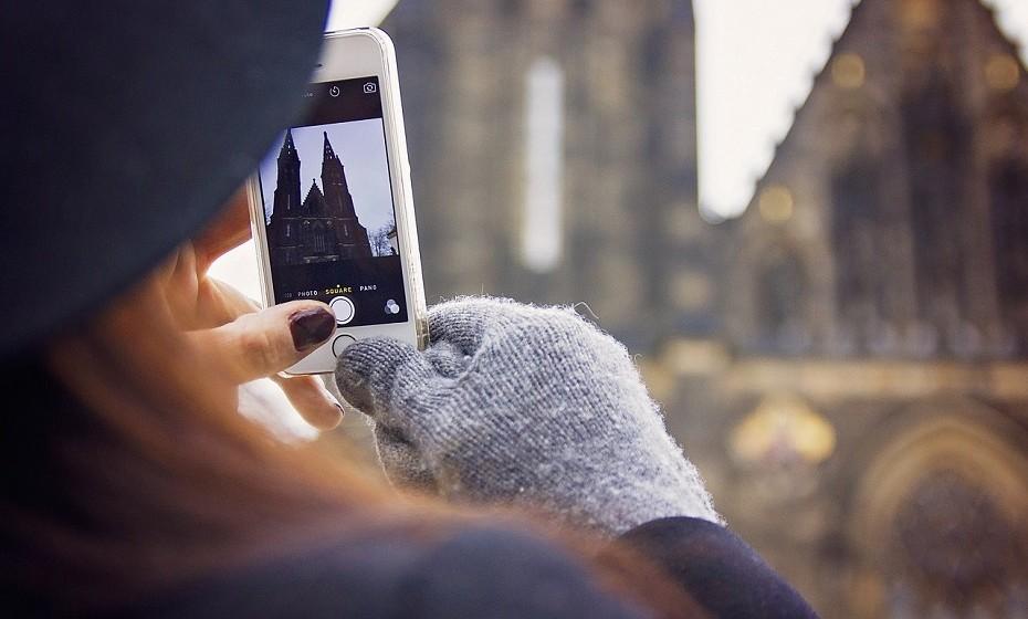 Páre de tirar fotos de tudo o que vê com o intuito de colocar no Instagram ou numa outra qualquer rede social. Viva o momento, concentre-se no que está a fazer, aprecie a beleza das coisas por si só.