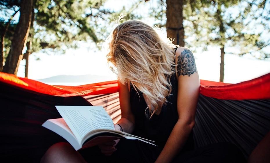 Procrastinar é das piores coisas que pode fazer. Enfrente as suas obrigações ou faça aquilo que pretende fazer há muito tempo: organizar o closet, fazer exercício físico, ler aquele livro...