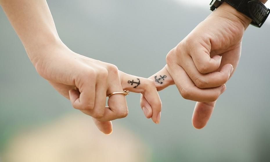 Seja fiel. A confiança é a base estrutural de qualquer relação, não queira colocar isso em causa.
