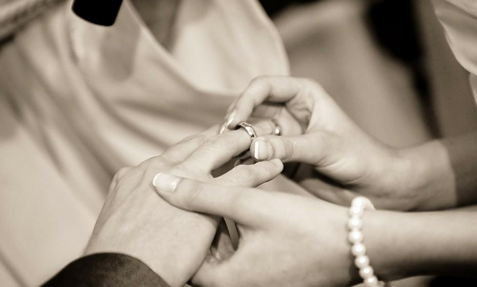 Os casamentos modernos exigem autorrealização. As pessoas esperam, cada vez mais, que o casamento seja uma jornada de autoconhecimento e de autorrealização, mas, infelizmente, muitos casais não investem tempo e esforço para alcançar esse tipo de crescimento.