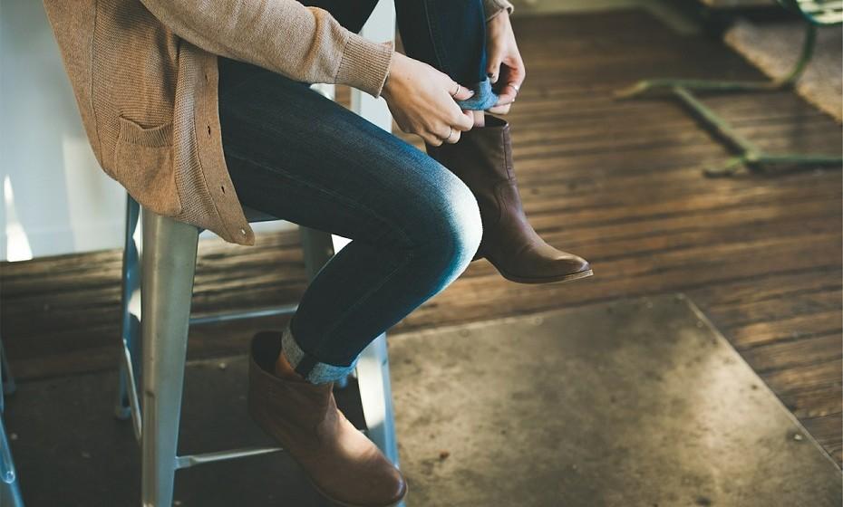 Polvilhe no calçado para afastar qualquer tipo de mau odor.
