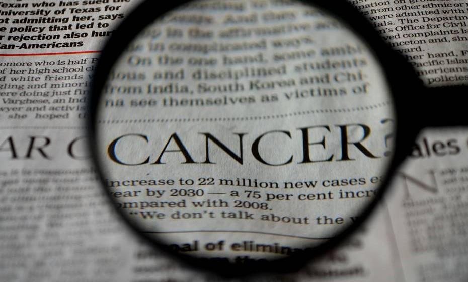 Se fizer uma pesquisa sobre cancro na internet, vai deparar-se com uma abundante quantidade de informação. O problema é que se torna difícil distinguir os factos reais dos falsos. Por isso mesmo, a fundação 'Cancer Research UK' reuniu informação que desmistifica alguns mitos.