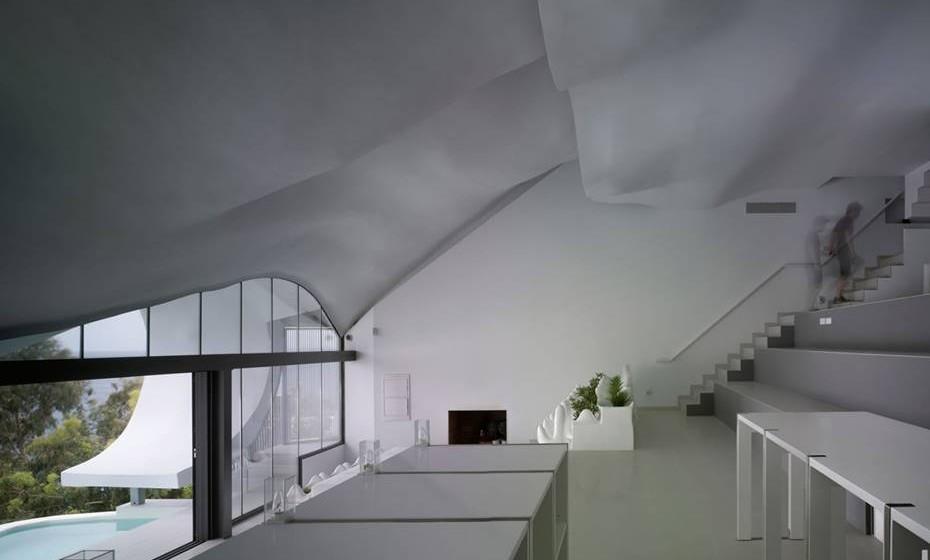 A casa foi concebida para manter durante todo o ano a temperatura do solo, ou seja, cerca de 19,5 graus.