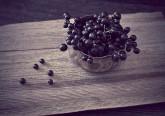 Alimentos naturalmente ricos em magnésio, ómega-3, zinco e antioxidantes podem ajudar uma pessoa a sentir-se mais calma. Conheça os alimentos que ajudam a reduzir a ansiedade para que viva os seus dias com mais tranquilidade.
