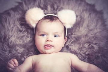 A amamentação é extremamente benéfica para a mãe e para o bebé. O leite materno tem a quantidade certa de nutrientes necessários, digere-se facilmente e está sempre disponível. A 'Authority Nutrition' compilou alguns dos benefícios da amamentação. Saiba quais são.