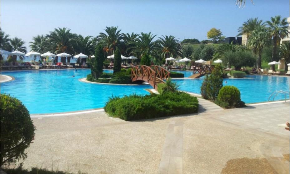 10. Sani Beach Club- Sani, Grécia.